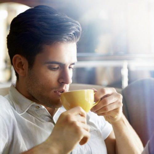¿Por qué algunas personas son más sensibles a la cafeína?