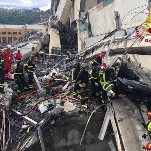 Sube a 35 la cifra de muertos en derrumbe de un puente en autopista en Italia