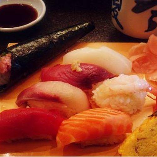 "Vetan a atleta de buffet ""todo lo que puedas comer"" por comer demasiado sushi"